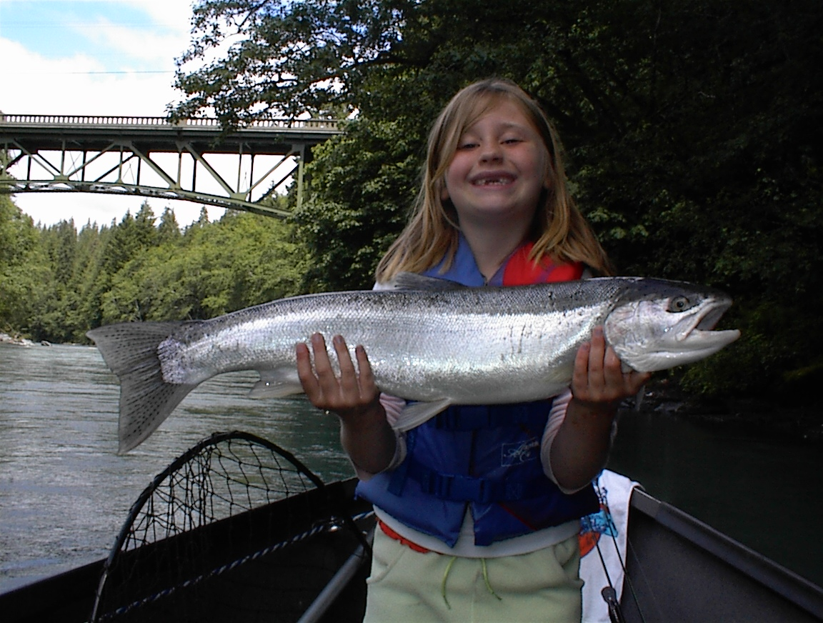 NOW BOOKING SUMMER STEELHEAD & CHINOOK SALMON!!!